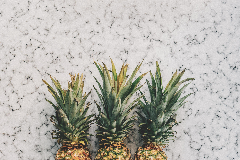 logtcyd03n0-pineapples